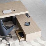 Офисный стол с передней панелью B101